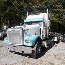 2000 Freightliner FLD 132T Classic XL
